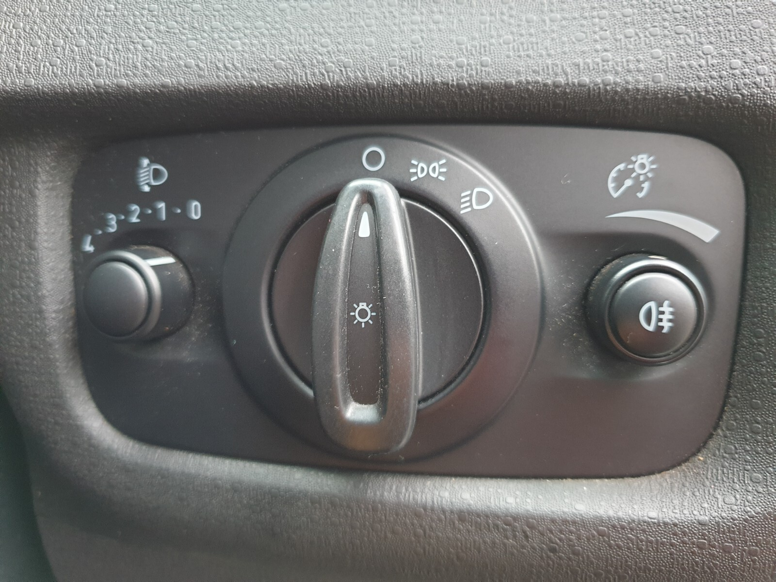 FORD 1.4 AMBIENTE 5 Dr Johannesburg 18327079