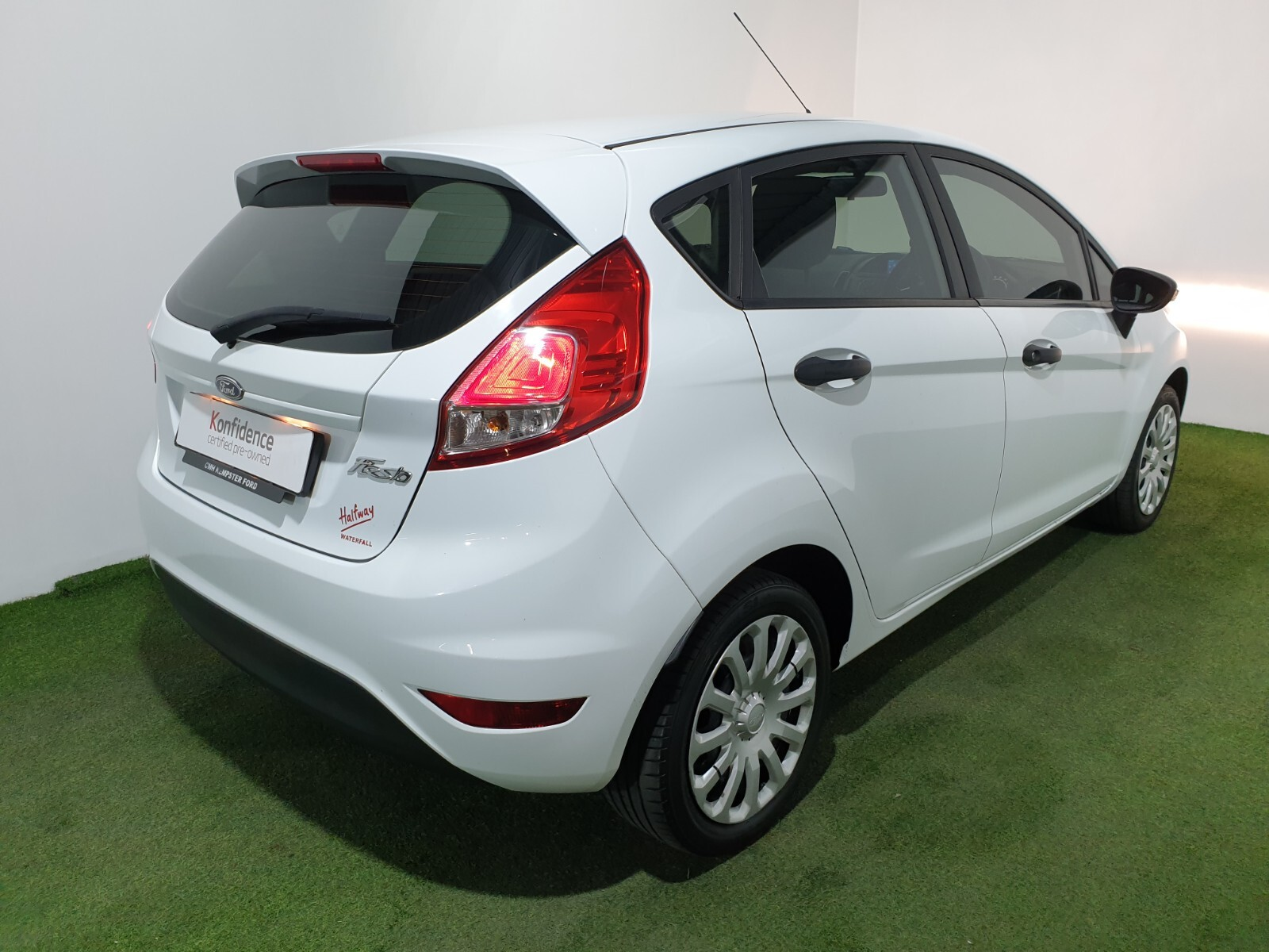 FORD 1.4 AMBIENTE 5 Dr Johannesburg 2327079