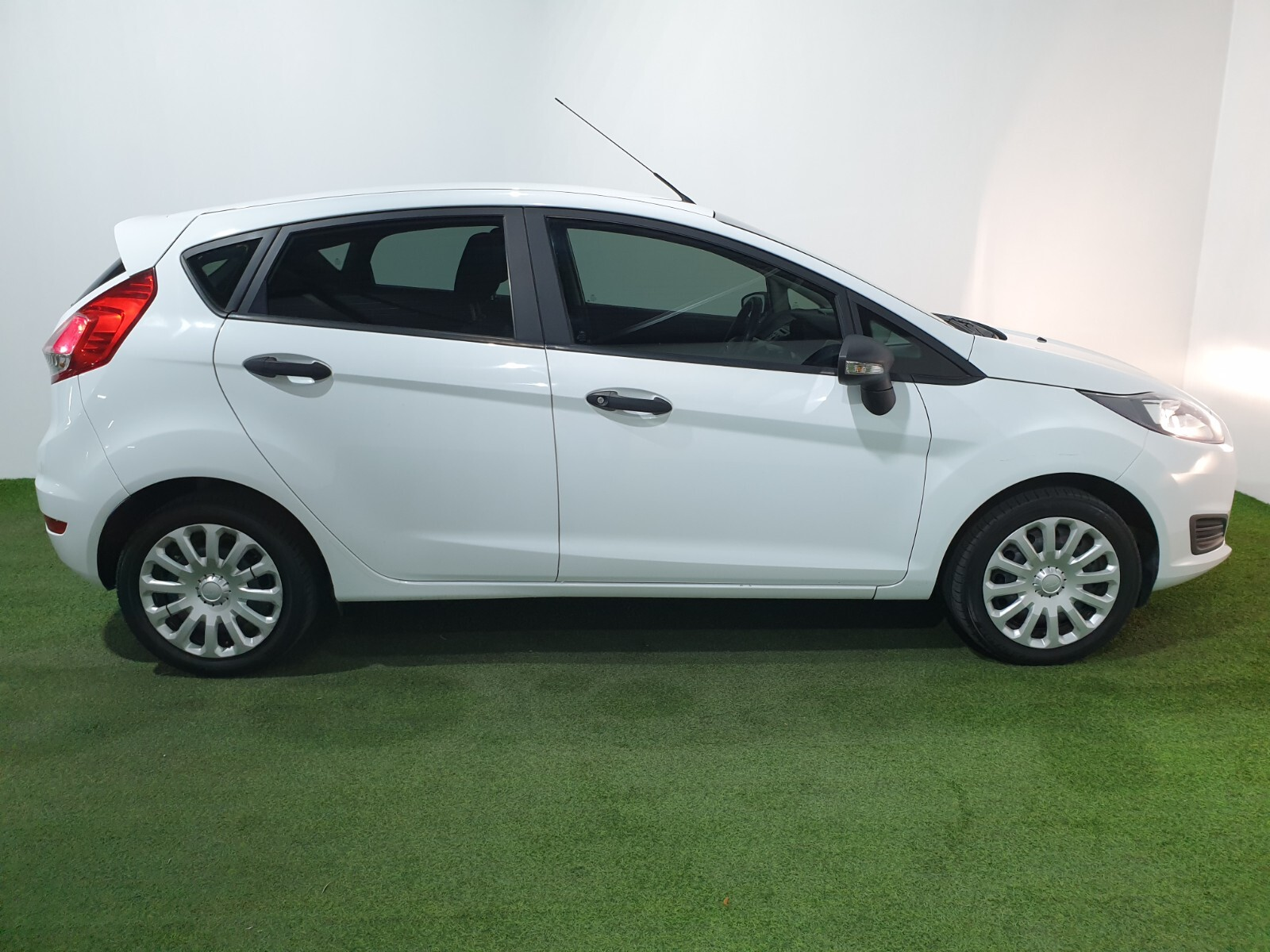 FORD 1.4 AMBIENTE 5 Dr Johannesburg 1327079