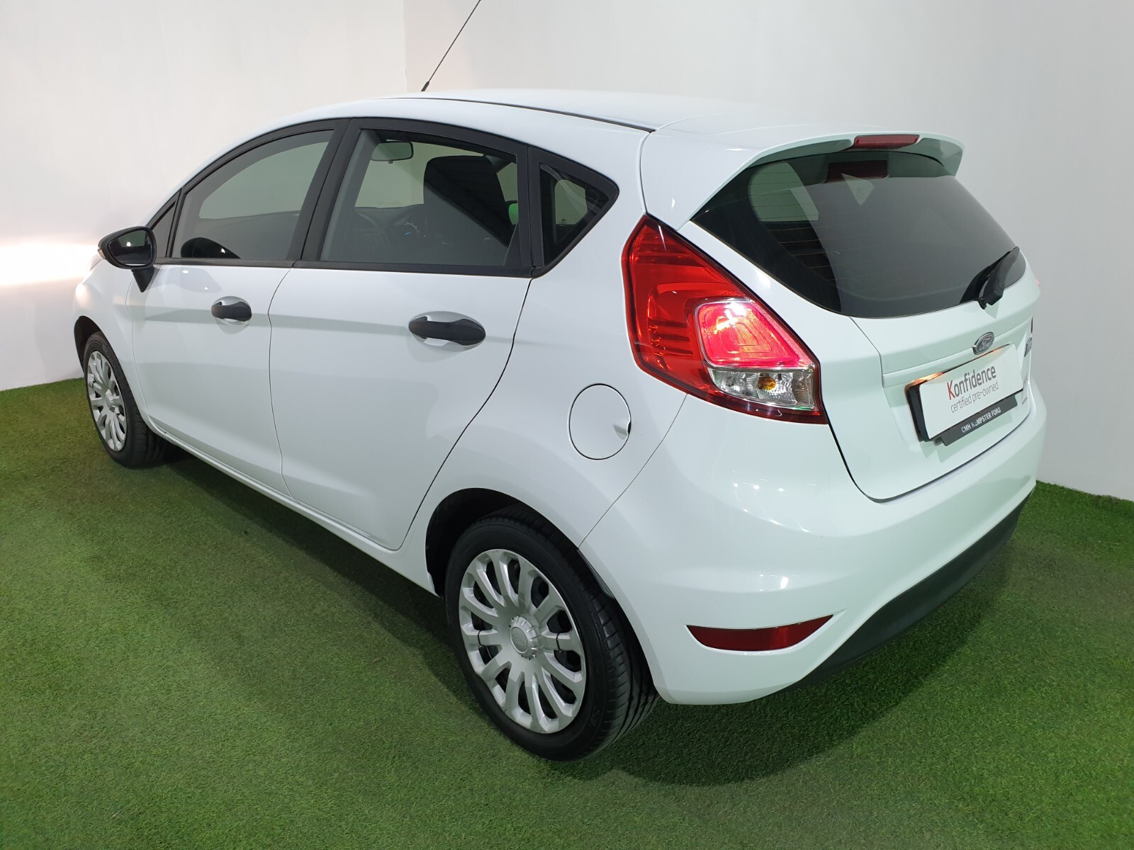 FORD 1.4 AMBIENTE 5 Dr Johannesburg 4327079