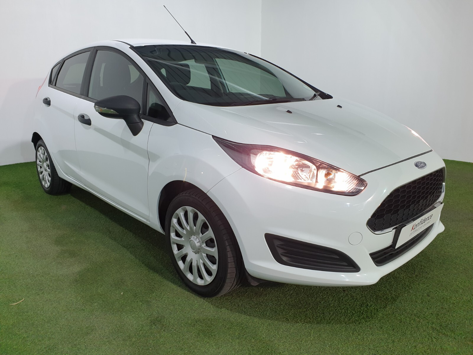 FORD 1.4 AMBIENTE 5 Dr Johannesburg 0327079