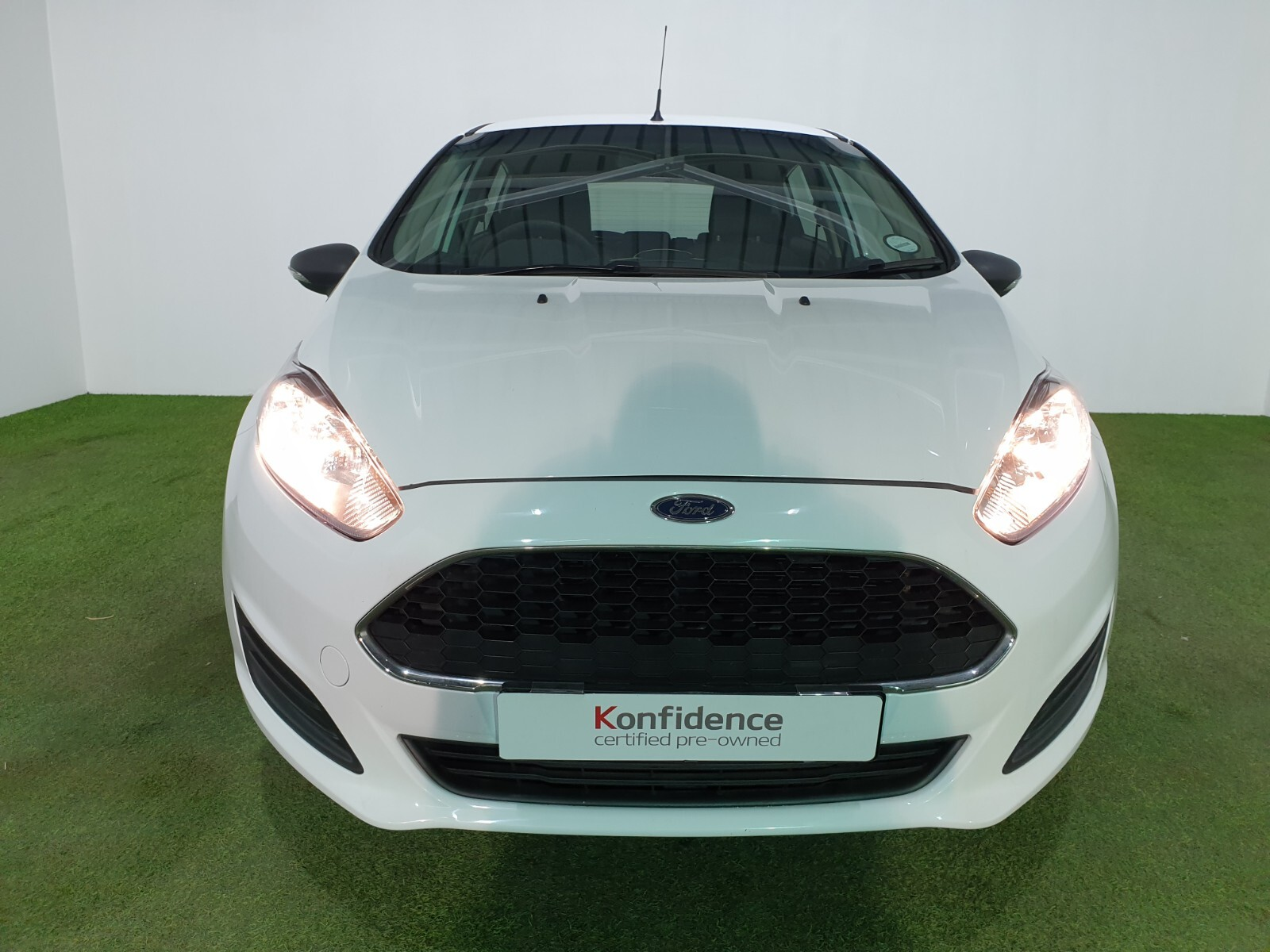 FORD 1.4 AMBIENTE 5 Dr Johannesburg 7327079