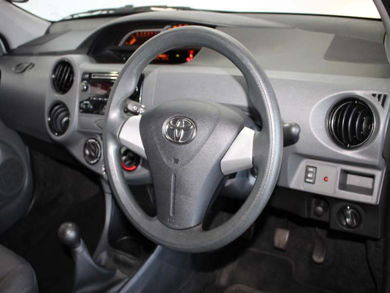 TOYOTA 1.5 Xi Somerset West 16330729
