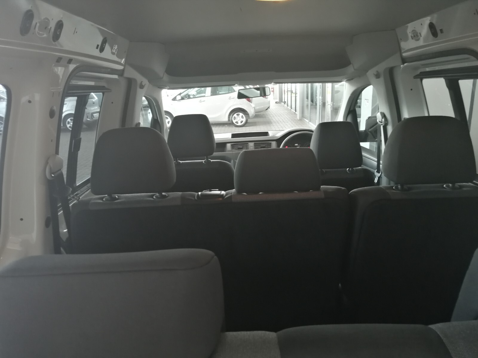 VOLKSWAGEN CREWBUS 1.6i  (7 SEAT) Benoni 14326169