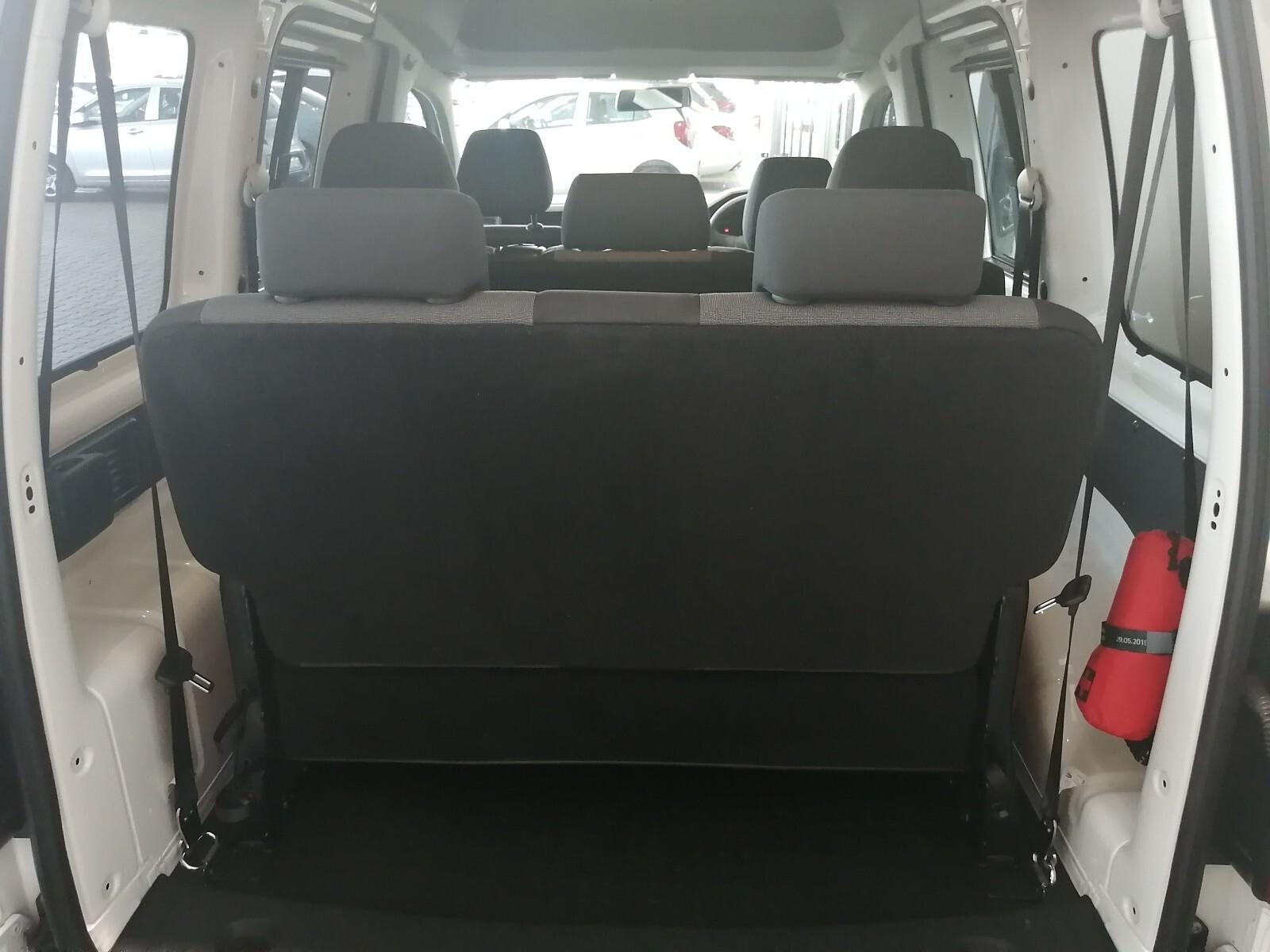 VOLKSWAGEN CREWBUS 1.6i  (7 SEAT) Benoni 15326169