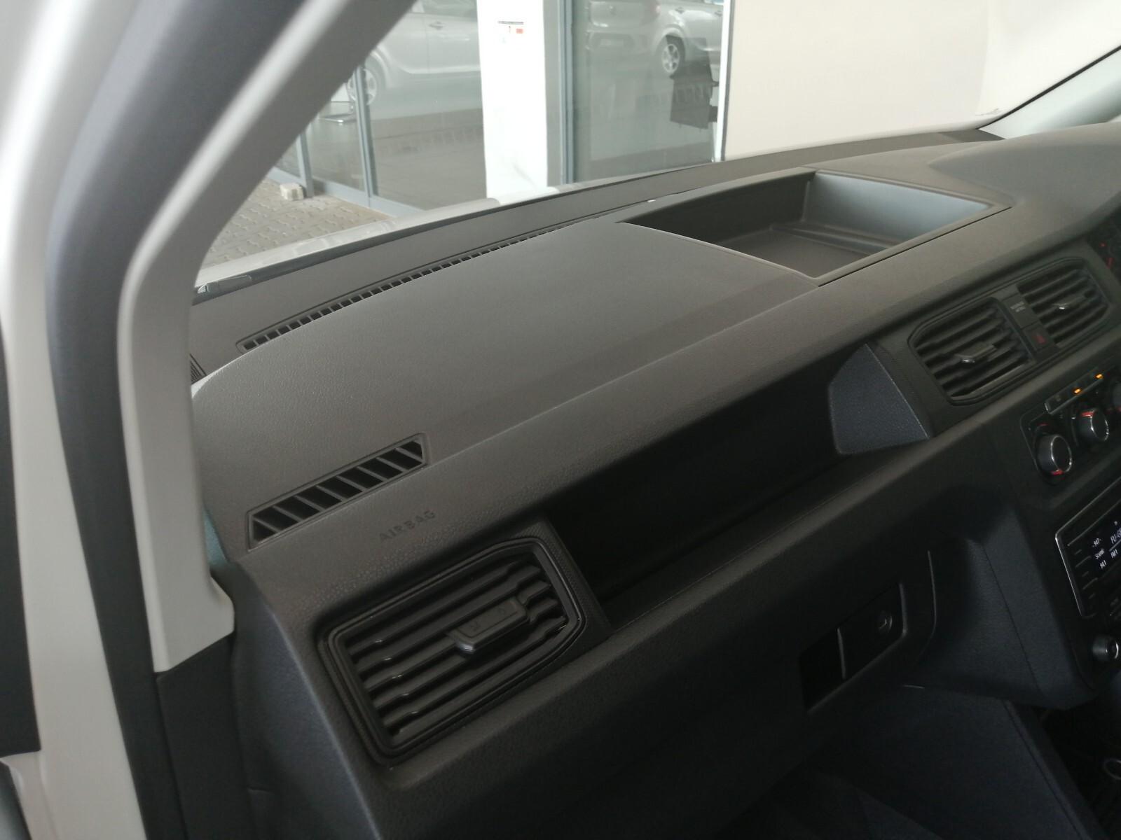 VOLKSWAGEN CREWBUS 1.6i  (7 SEAT) Benoni 17326169