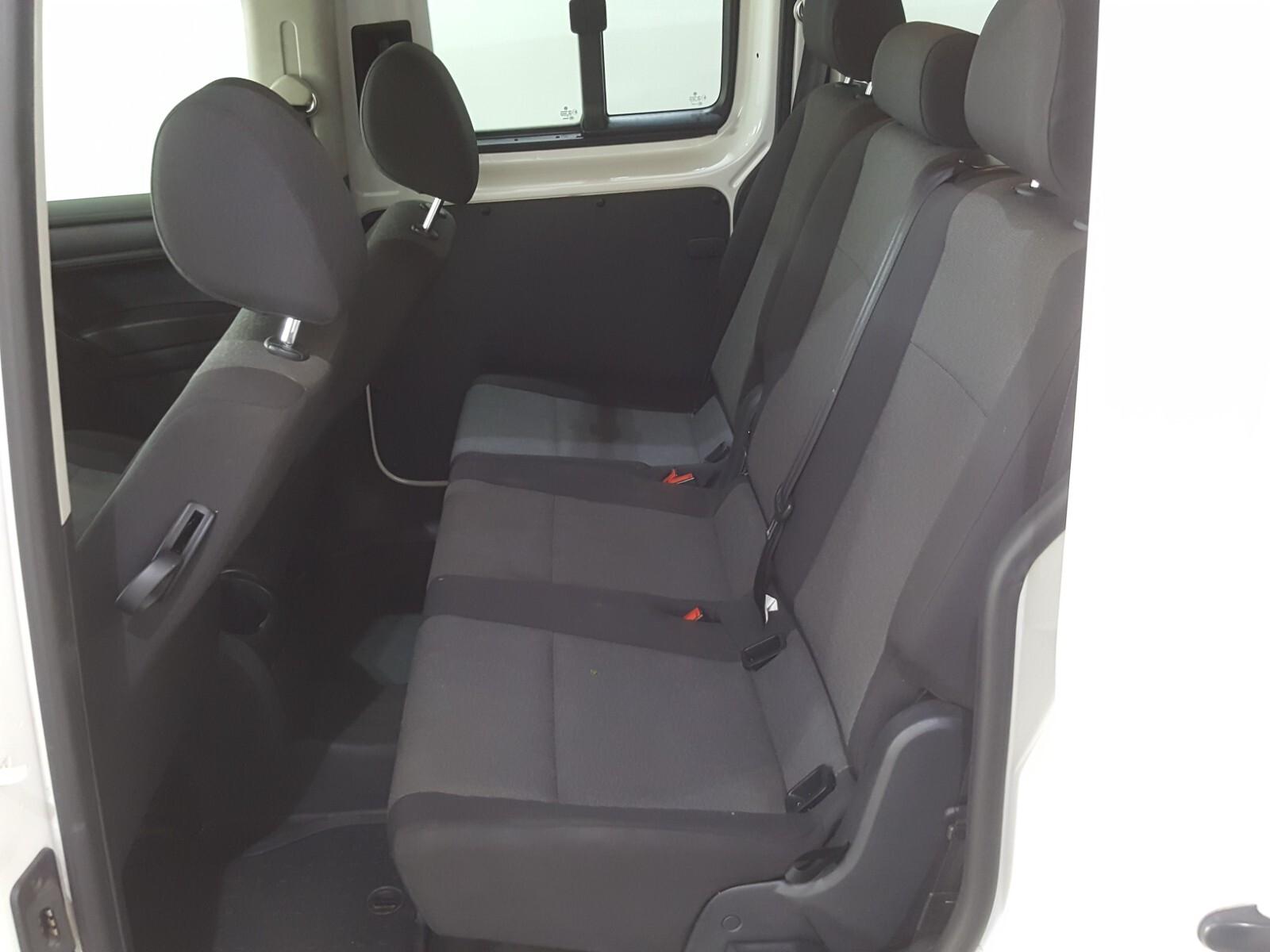 VOLKSWAGEN CREWBUS 1.6i  (7 SEAT) Roodepoort 7330266