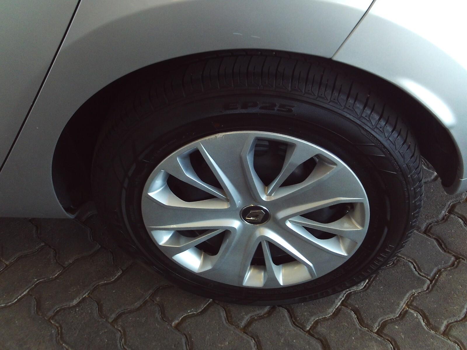 RENAULT IV 900T AUTHENTIQUE 5DR (66KW) Pretoria 17328867
