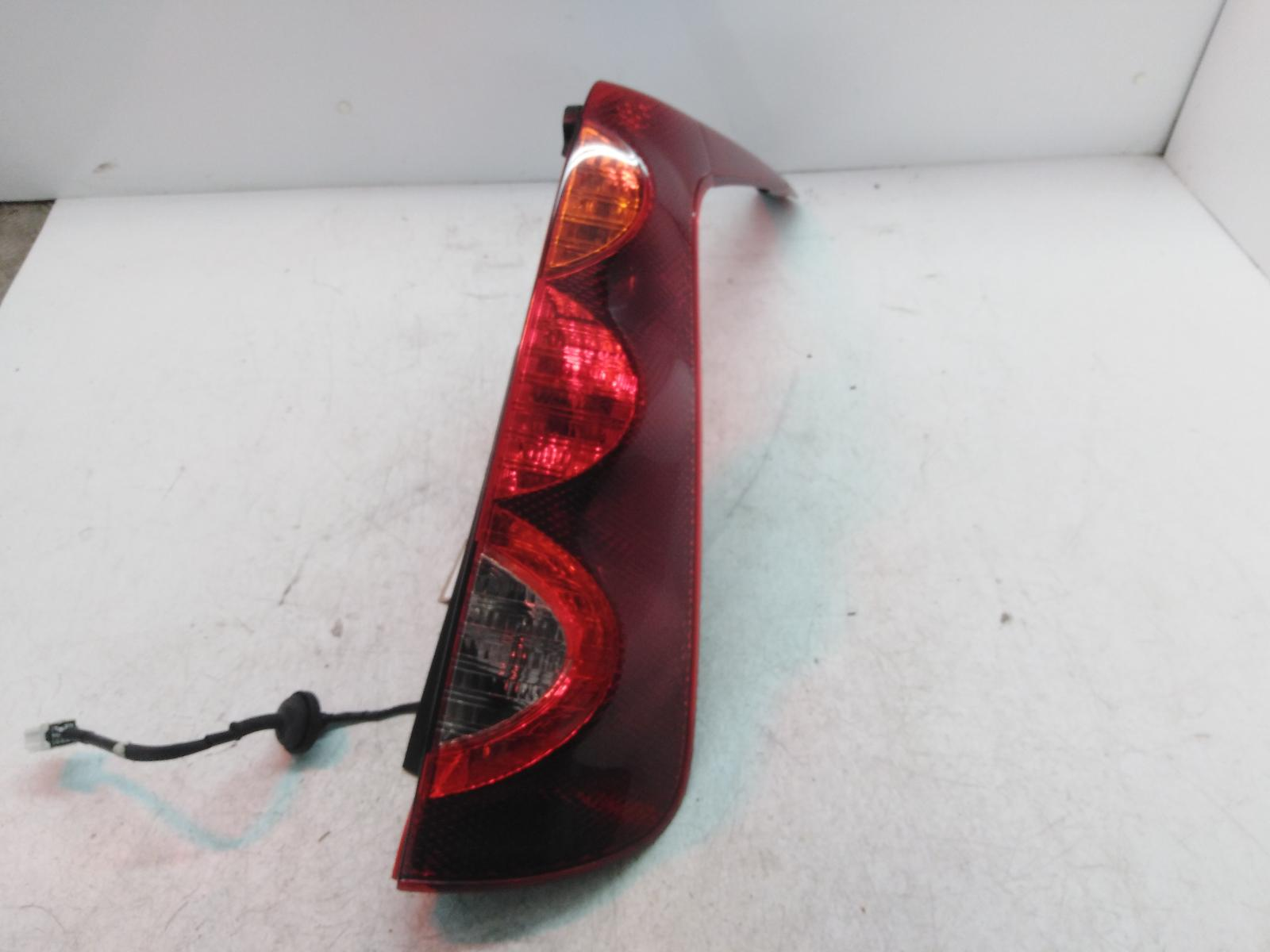 View Auto part R Taillight NISSAN NOTE 2010