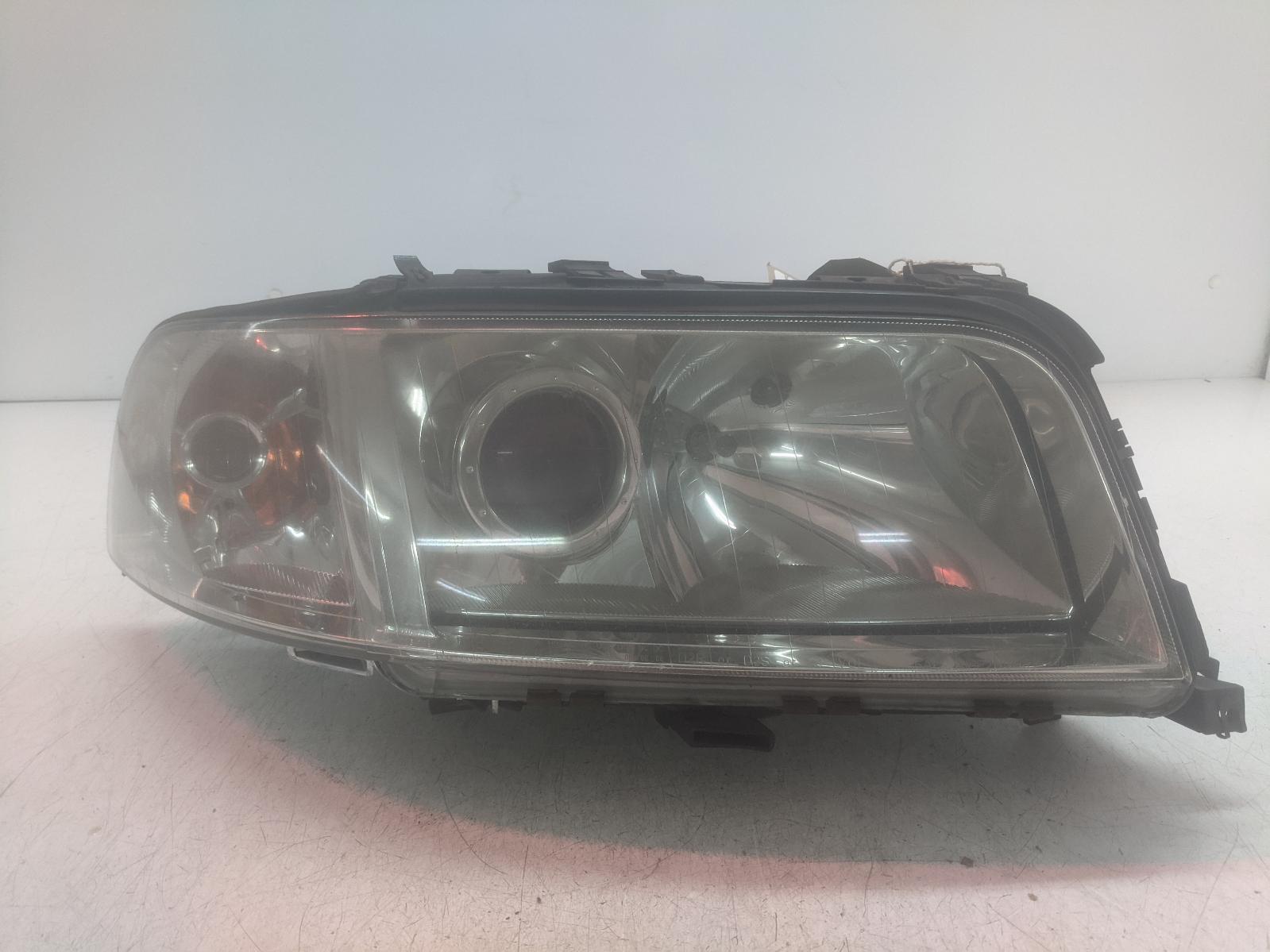 View Auto part R Headlamp AUDI A8 2002