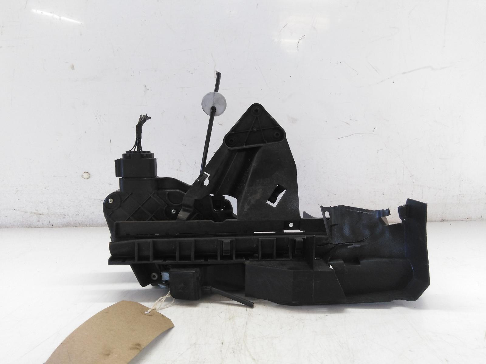 View Auto part Door Lock Assembly FORD FOCUS 2010