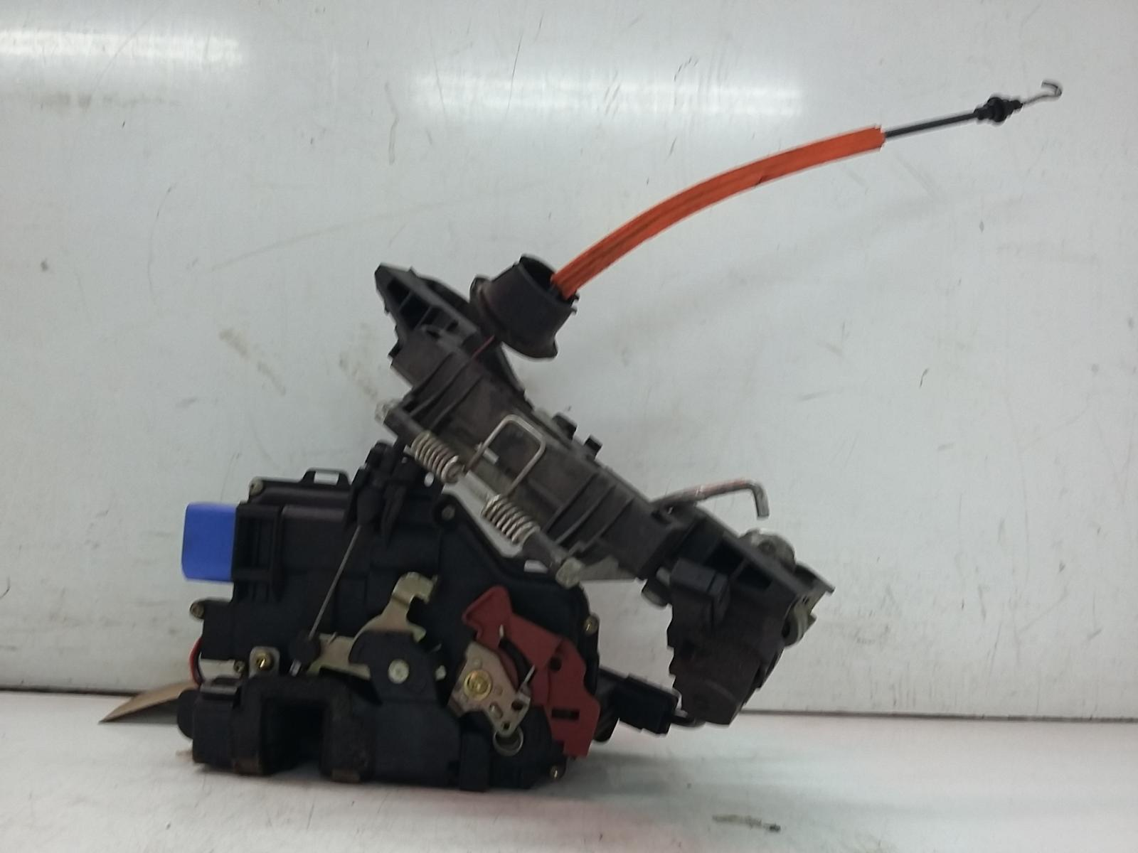 View Auto part Door Lock Assembly AUDI A8 2004