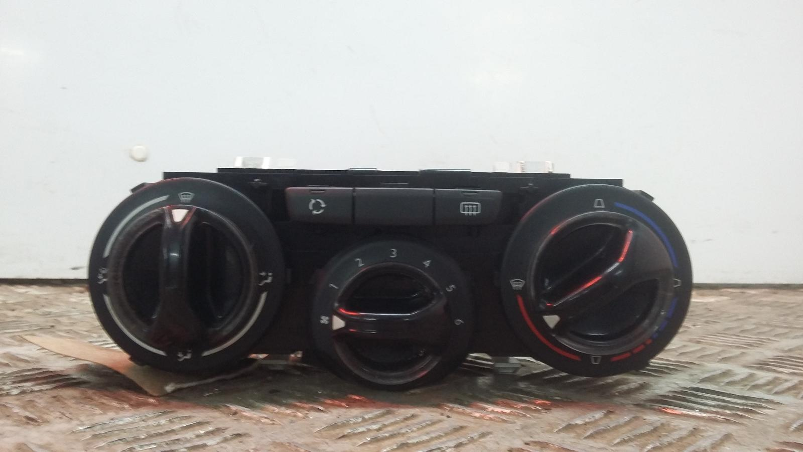 View Auto part Heater/AC Controller PEUGEOT 208 2013