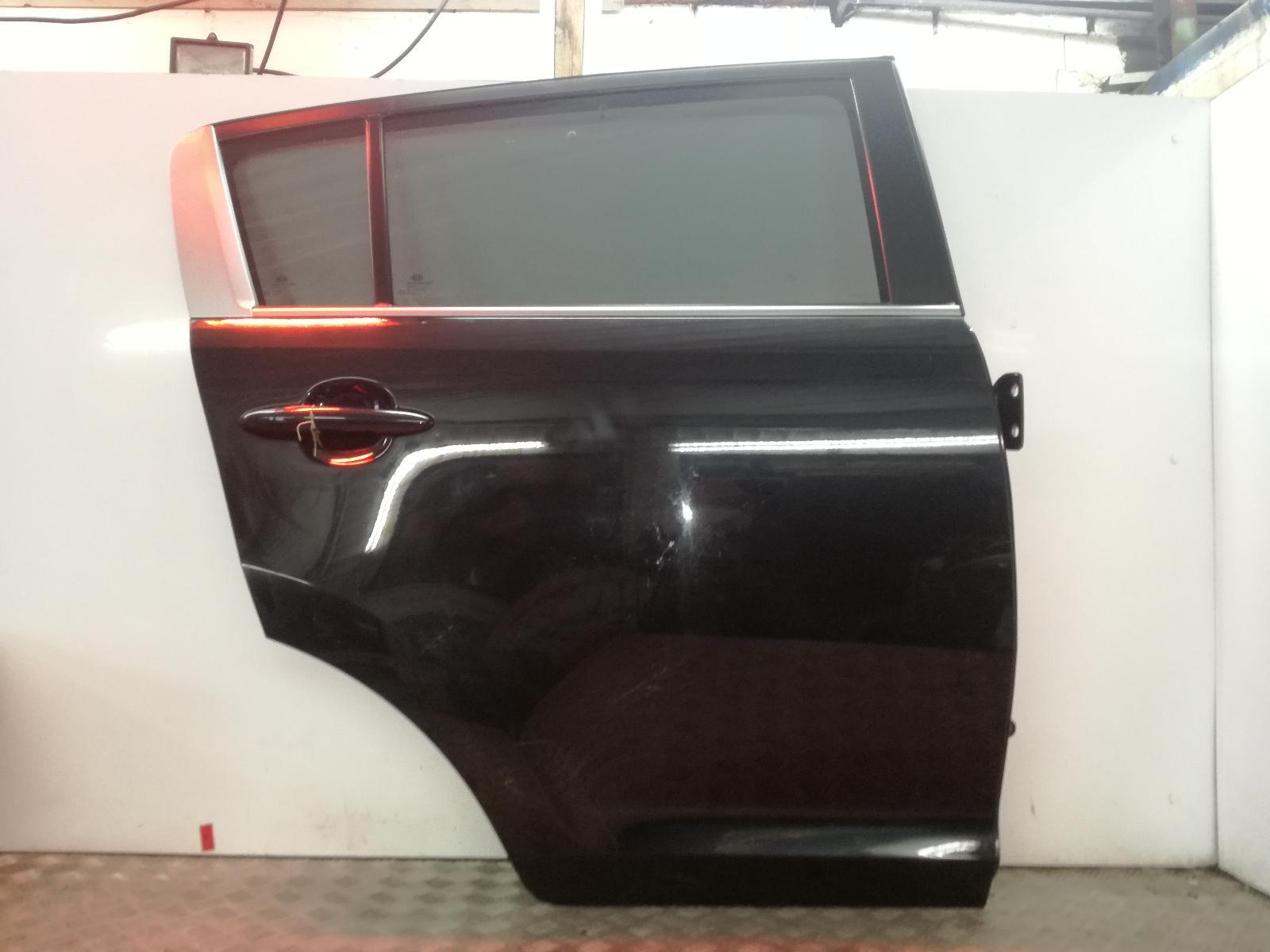 View Auto part R Rear Door KIA SPORTAGE 2011