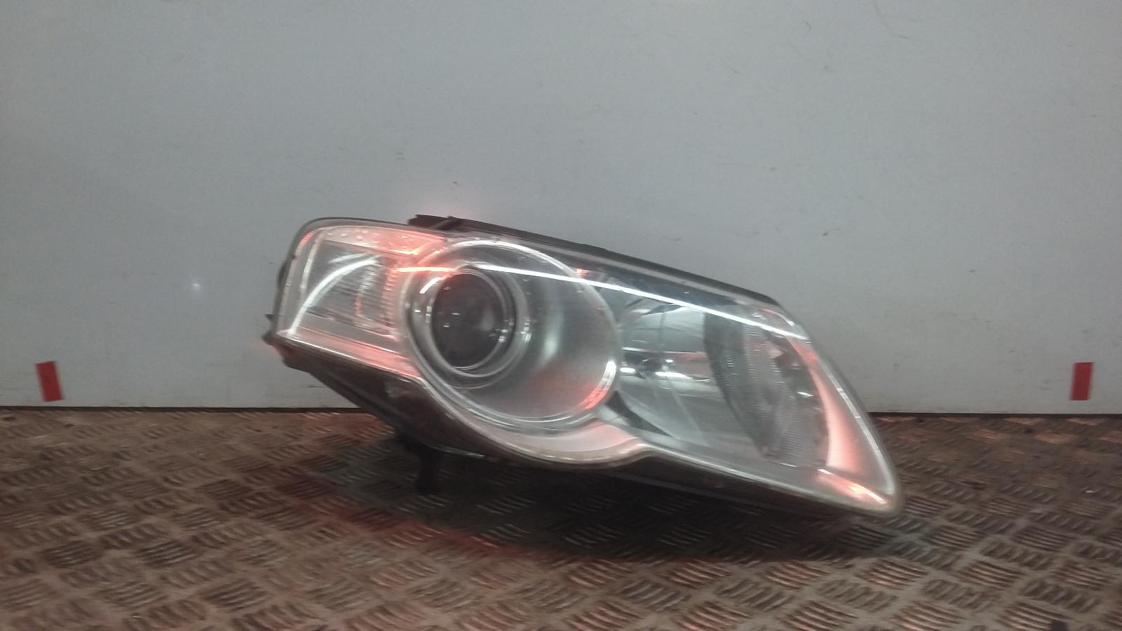 View Auto part R Headlamp VOLKSWAGEN PASSAT 2007