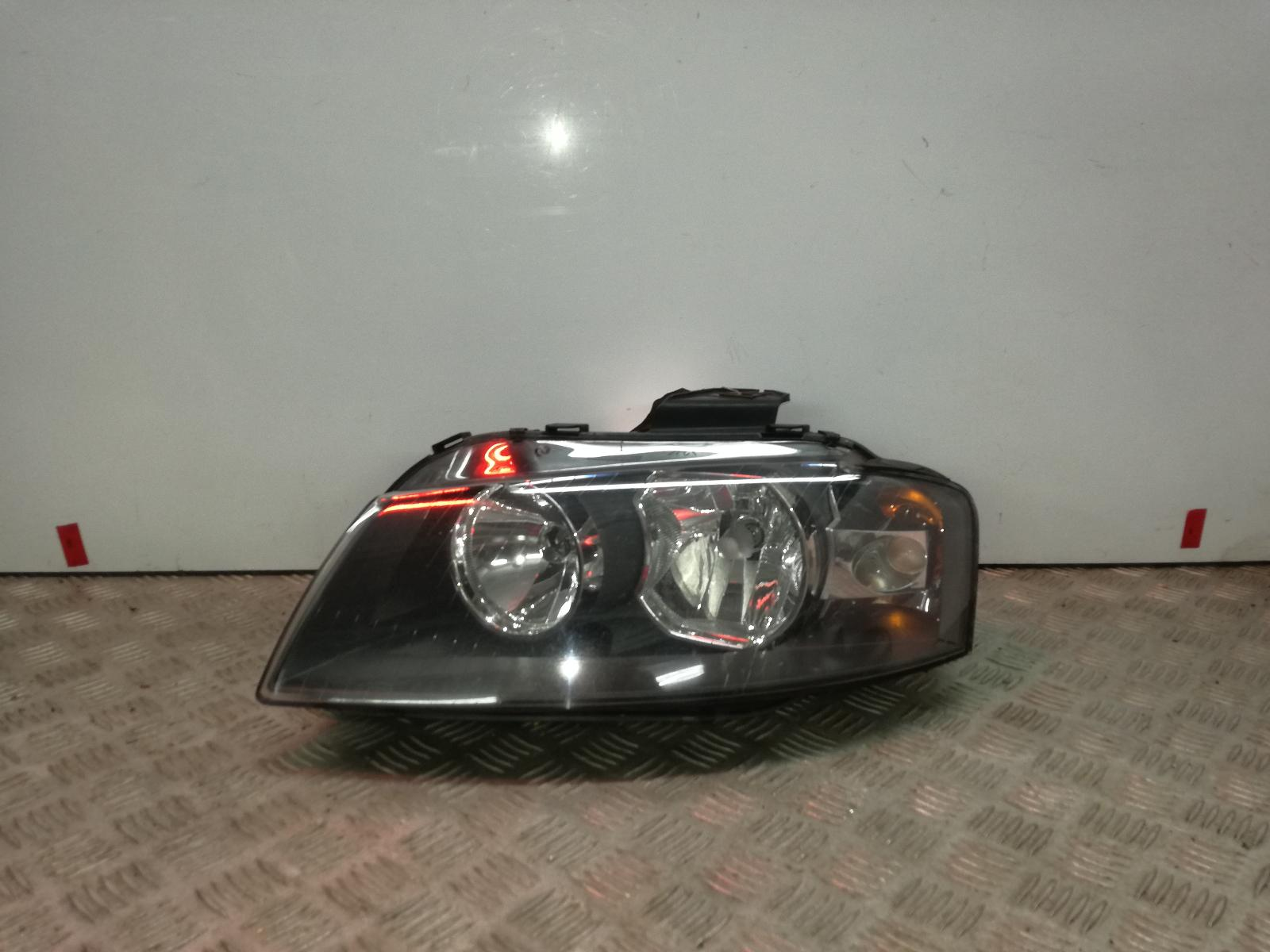 View Auto part R Headlamp AUDI A3 2005