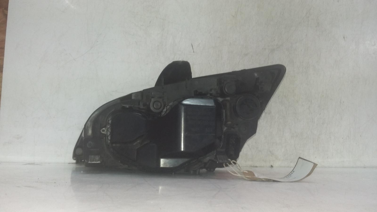 View Auto part R Headlamp FORD FOCUS 2007