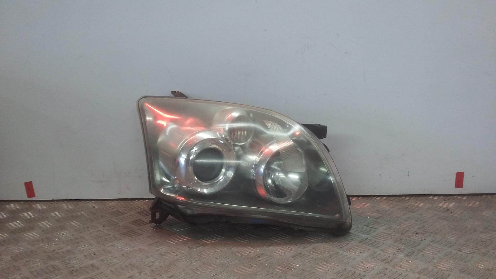 View Auto part R Headlamp TOYOTA AVENSIS 2007