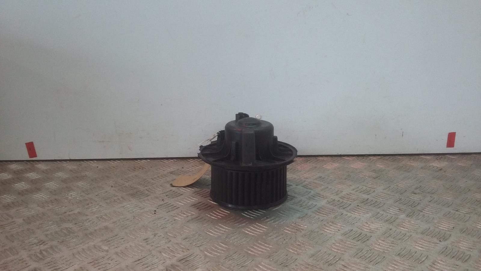 View Auto part Heater Motor/Assembly VOLKSWAGEN GOLF 2006