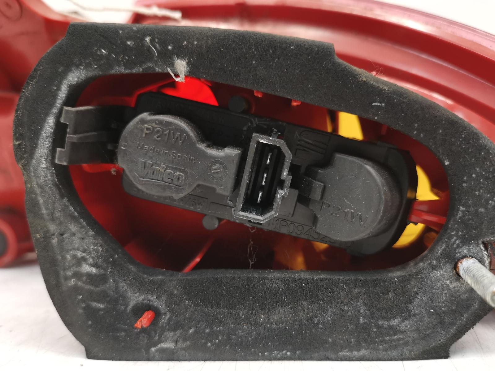 View Auto part L Taillight SEAT LEON 2011