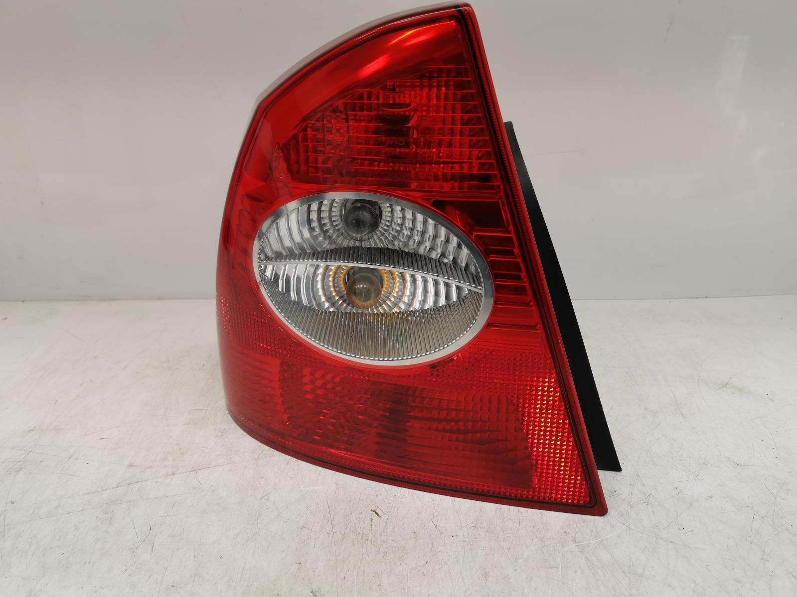View Auto part L Taillight FORD FOCUS 2007