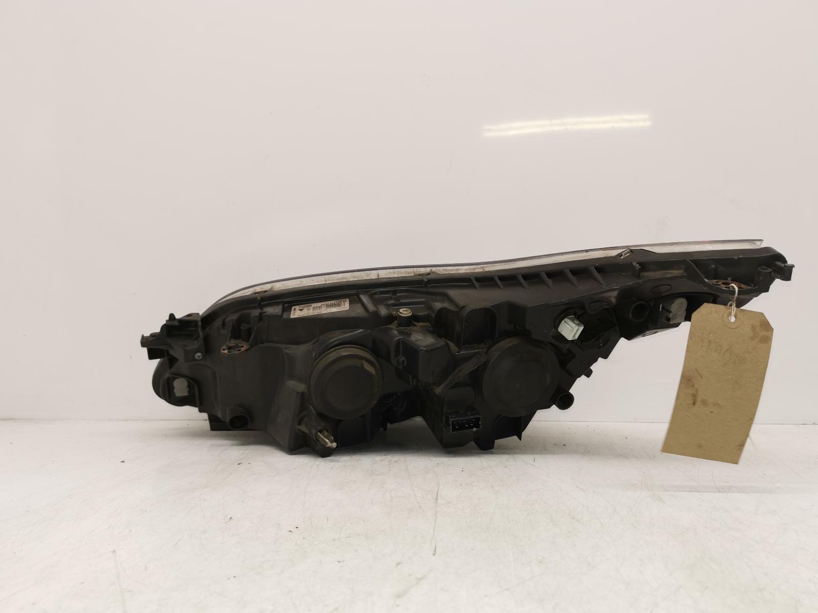 View Auto part R Headlamp CITROEN C4 2010