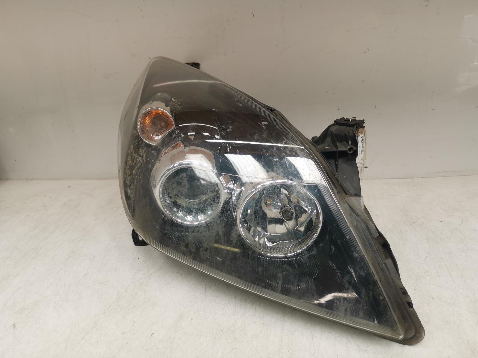 View Auto part R Headlamp VAUXHALL VECTRA 2008