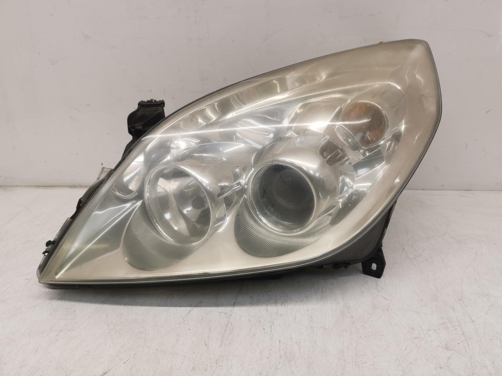 View Auto part L Headlamp VAUXHALL SIGNUM 2006