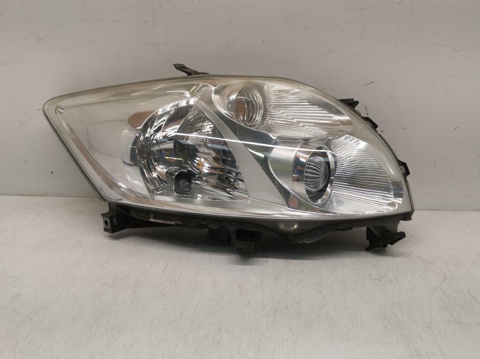 View Auto part R Headlamp TOYOTA AURIS 2008
