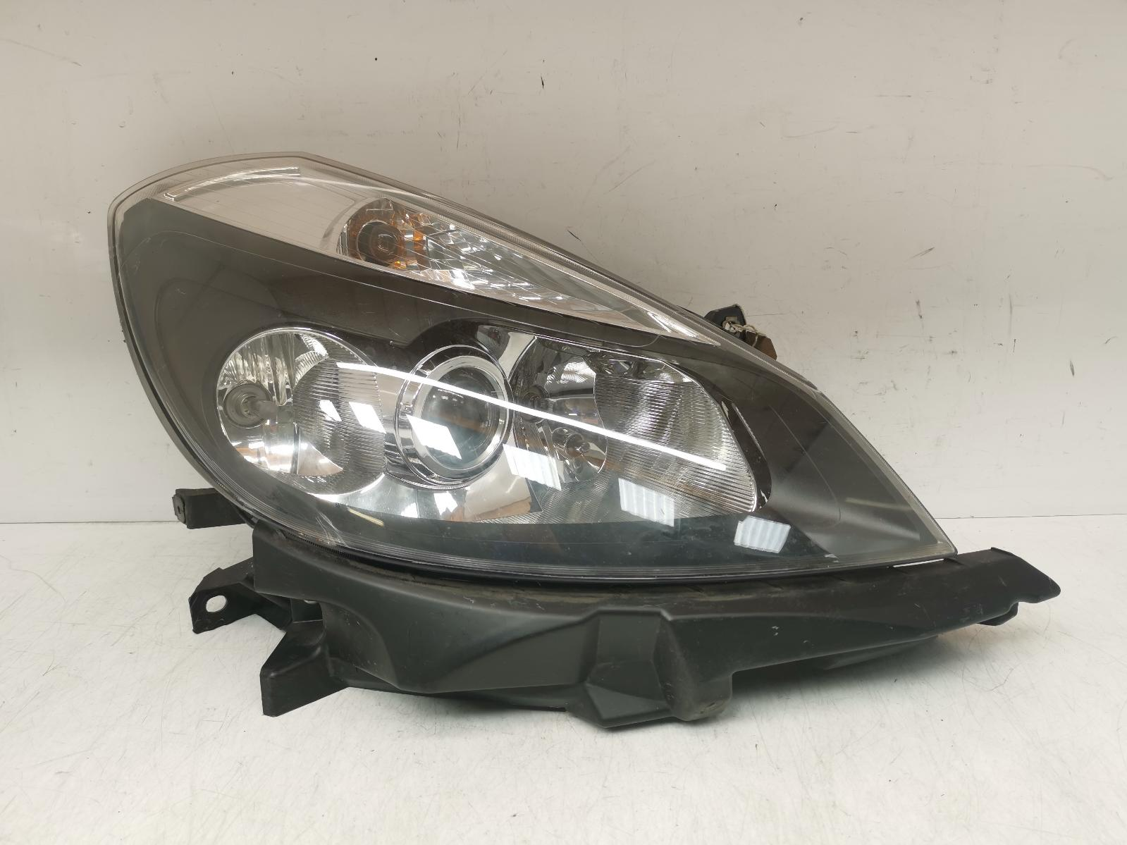 View Auto part R Headlamp RENAULT CLIO 2006