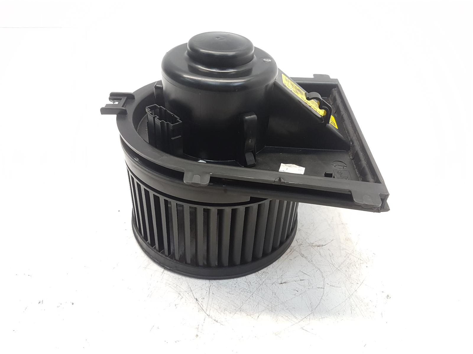 View Auto part Heater Motor/Assembly VOLKSWAGEN GOLF 2002