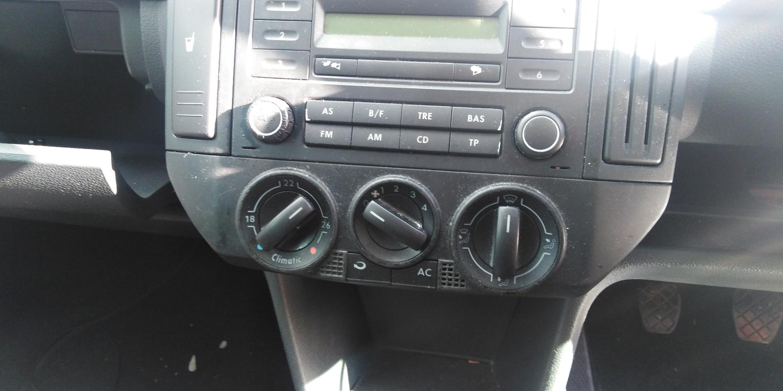 View Auto part VOLKSWAGEN POLO 2005 3 Door Hatchback
