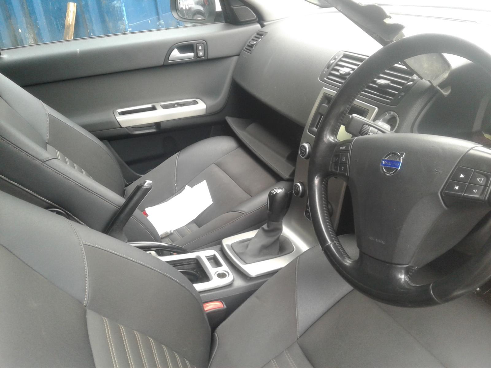View Auto part R Door Mirror VOLVO S40 2009