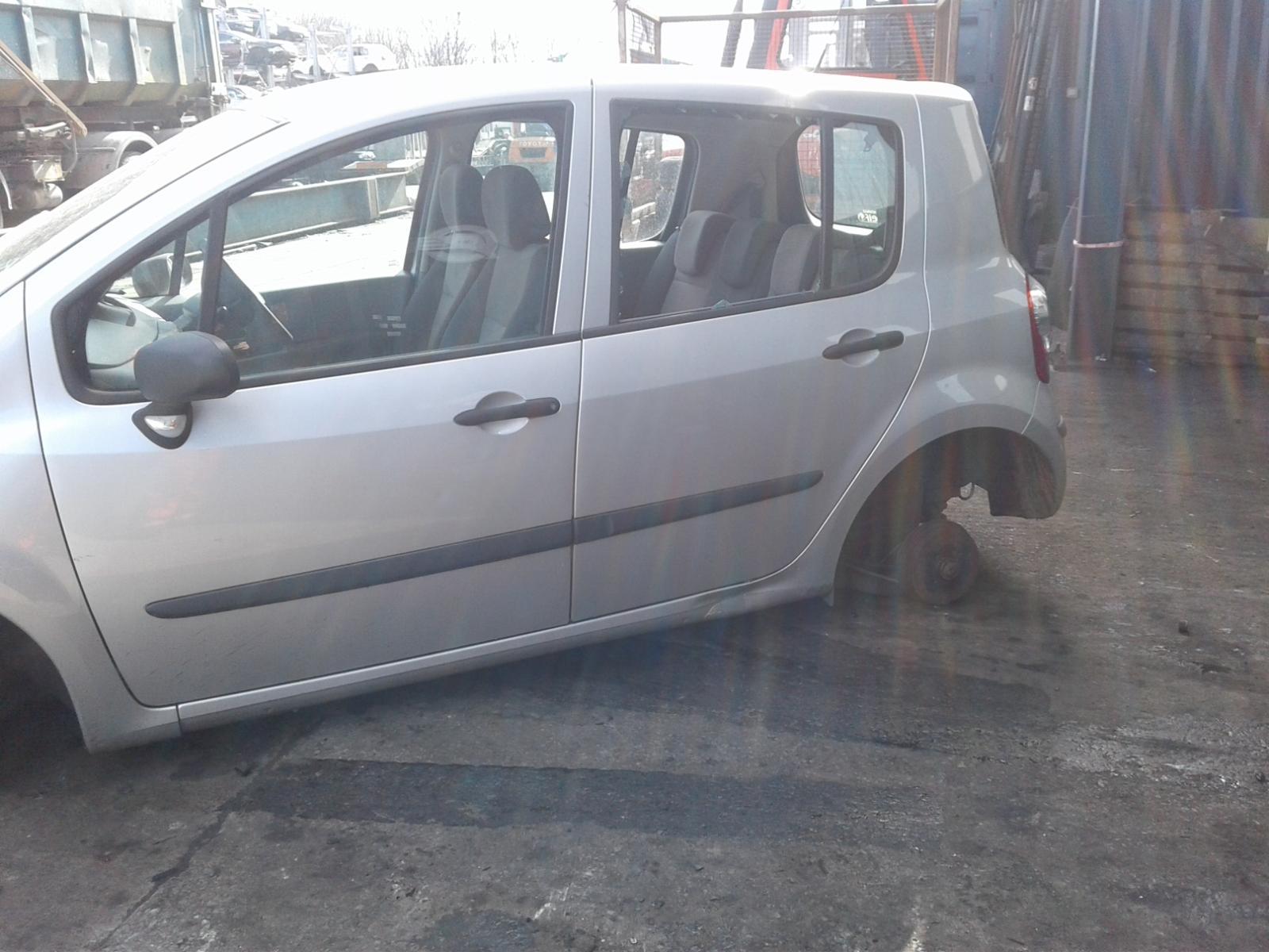 View Auto part RENAULT EXTRA 2007 5 Door Hatchback