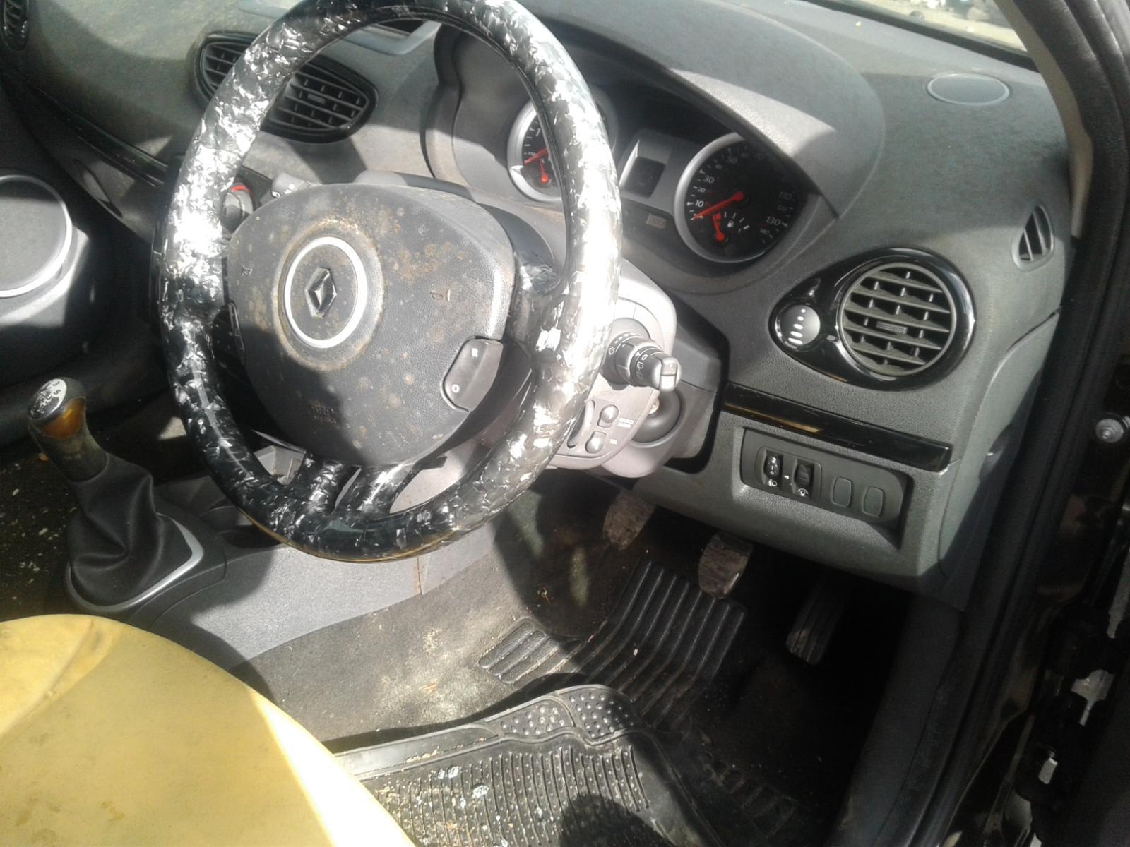 View Auto part RENAULT CLIO 2011 5 Door Hatchback