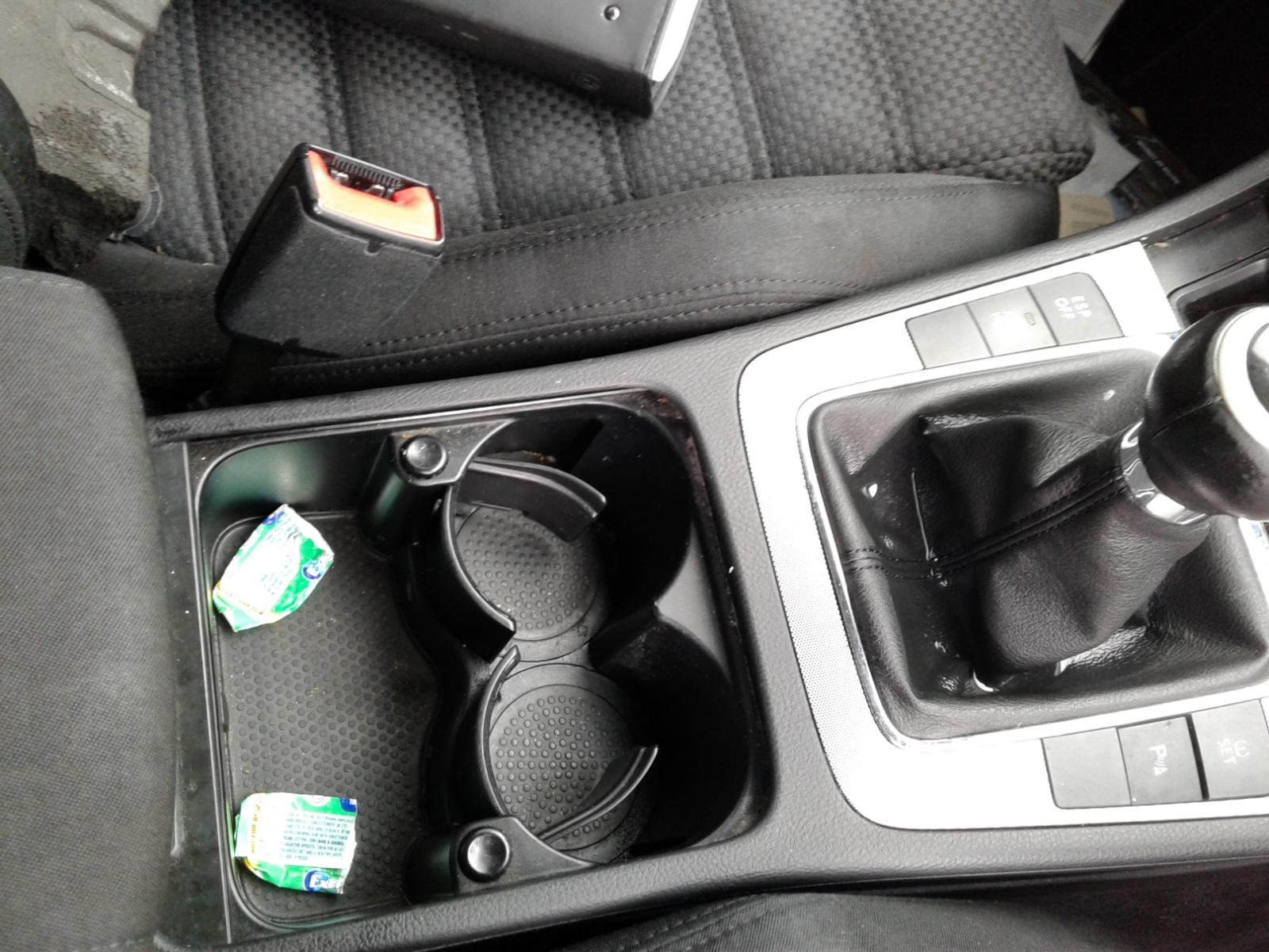 View Auto part VOLKSWAGEN PASSAT 2007 4 Door Saloon