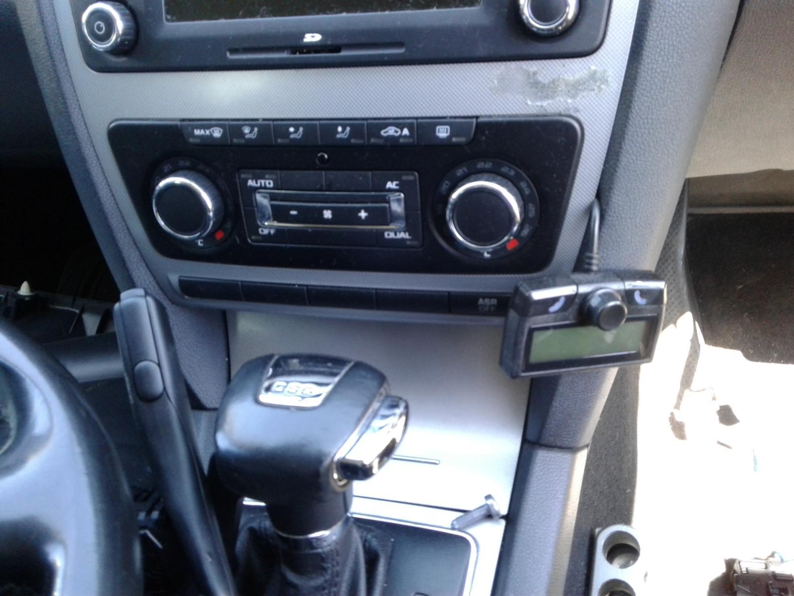View Auto part L Door Mirror SKODA OCTAVIA 2009