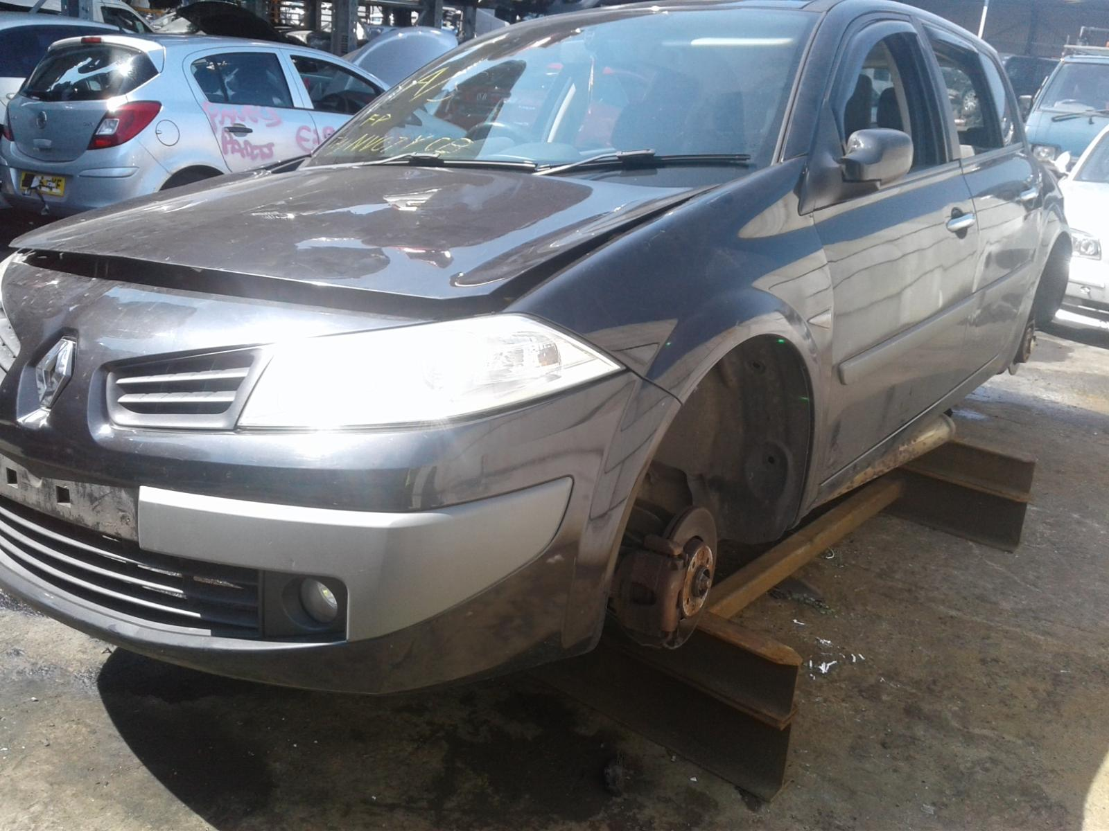 View Auto part RENAULT MEGANE 2008 5 Door Hatchback