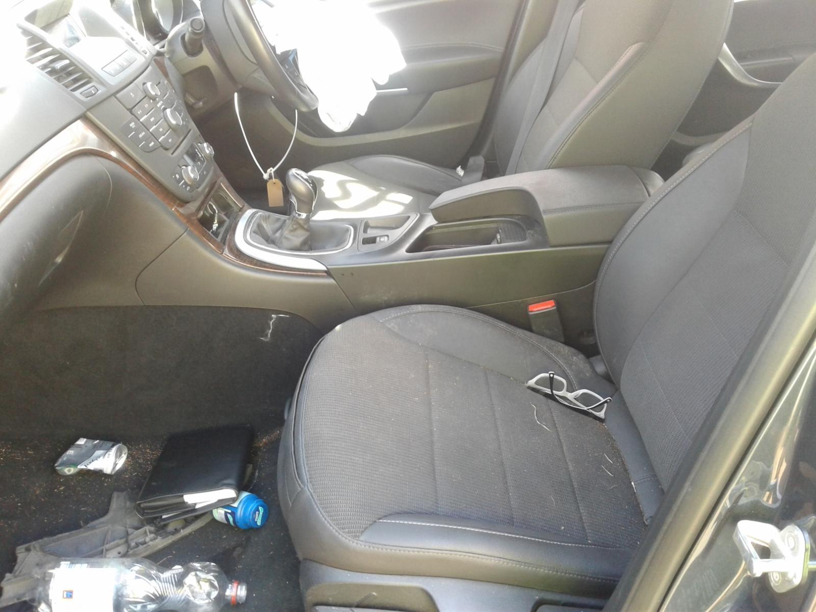 View Auto part VAUXHALL INSIGNIA 2008 4 Door Saloon