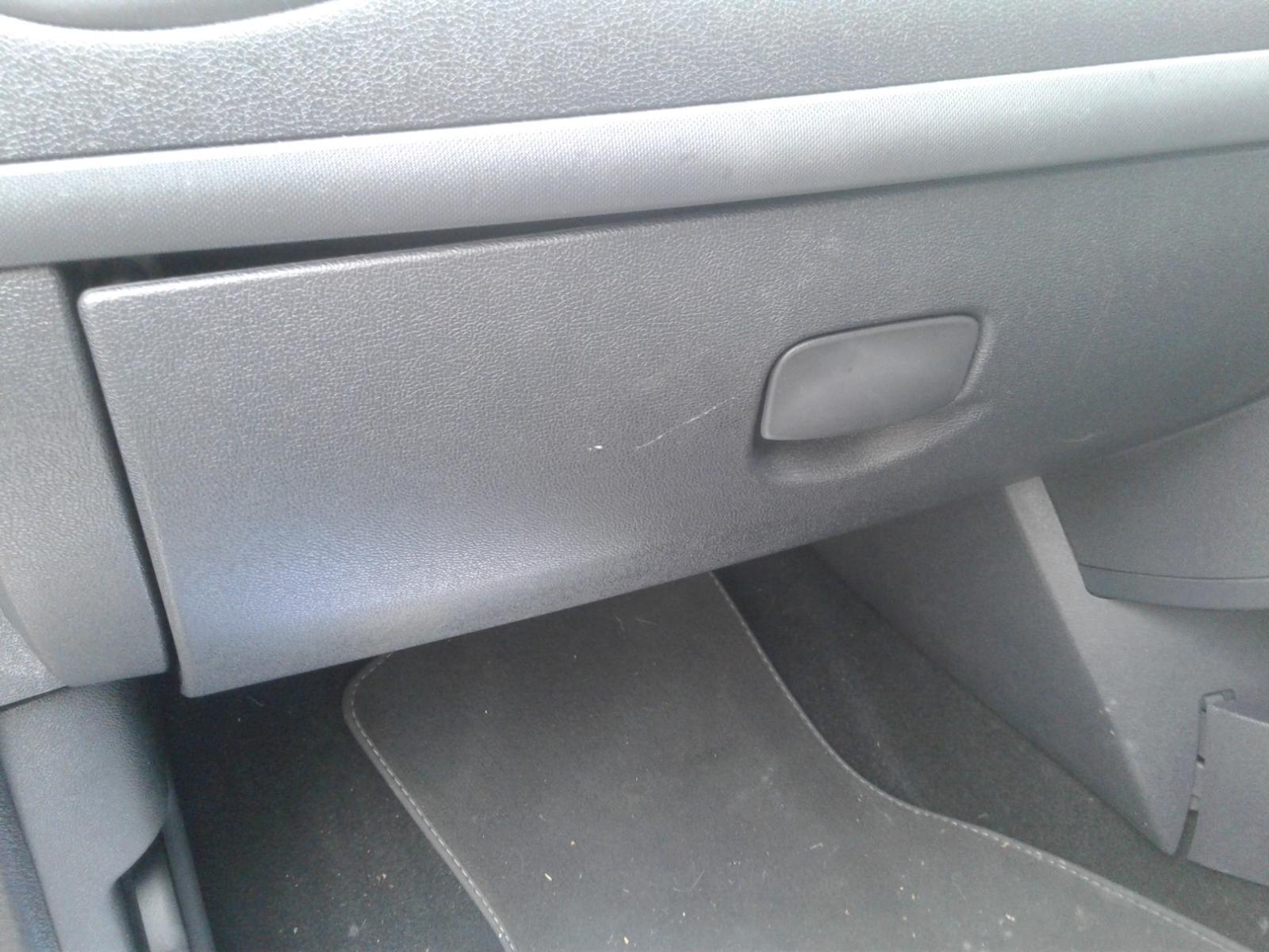 View Auto part RENAULT CLIO 2007 3 Door Hatchback