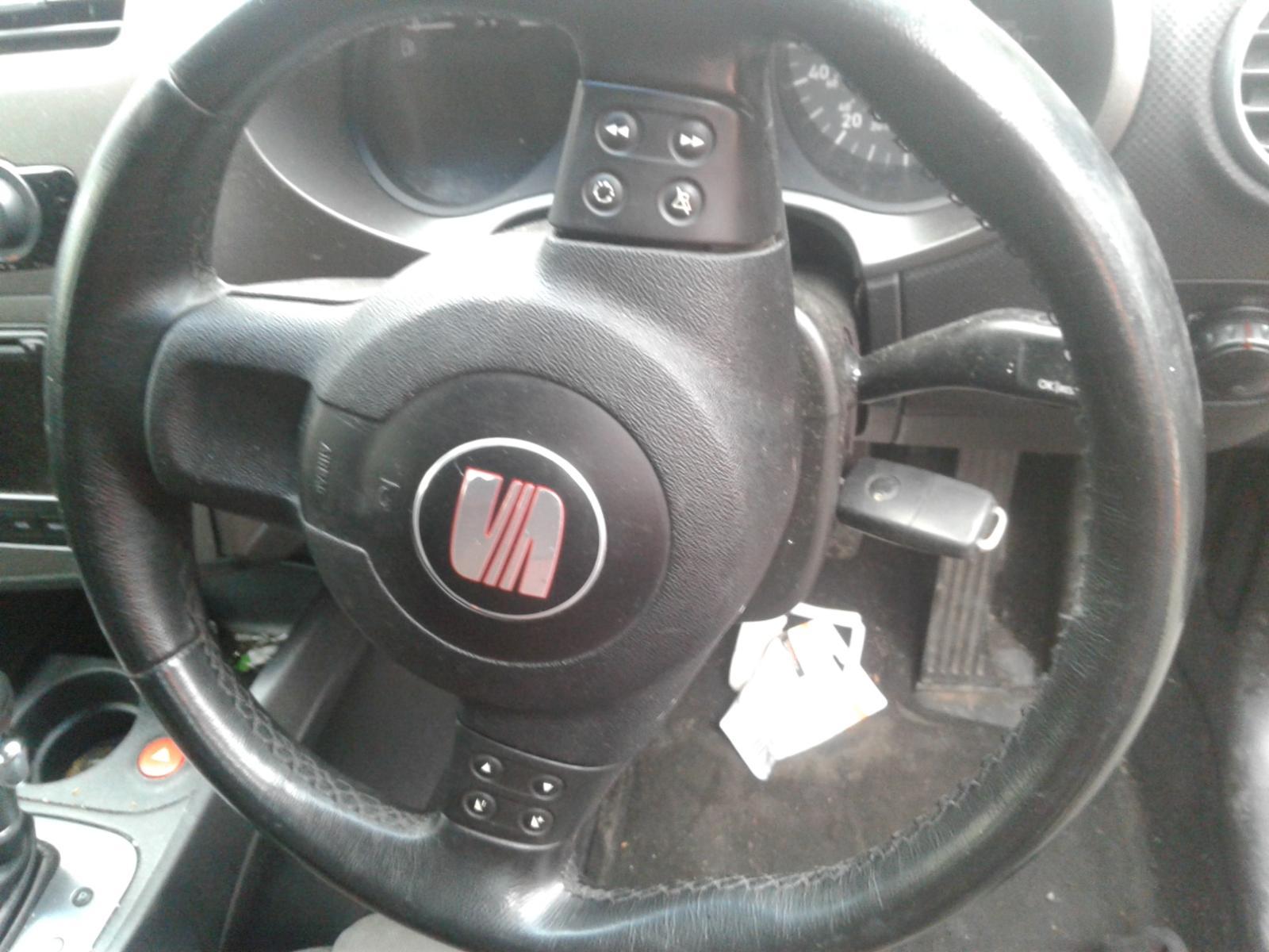 View Auto part SEAT LEON 2006 5 Door Hatchback