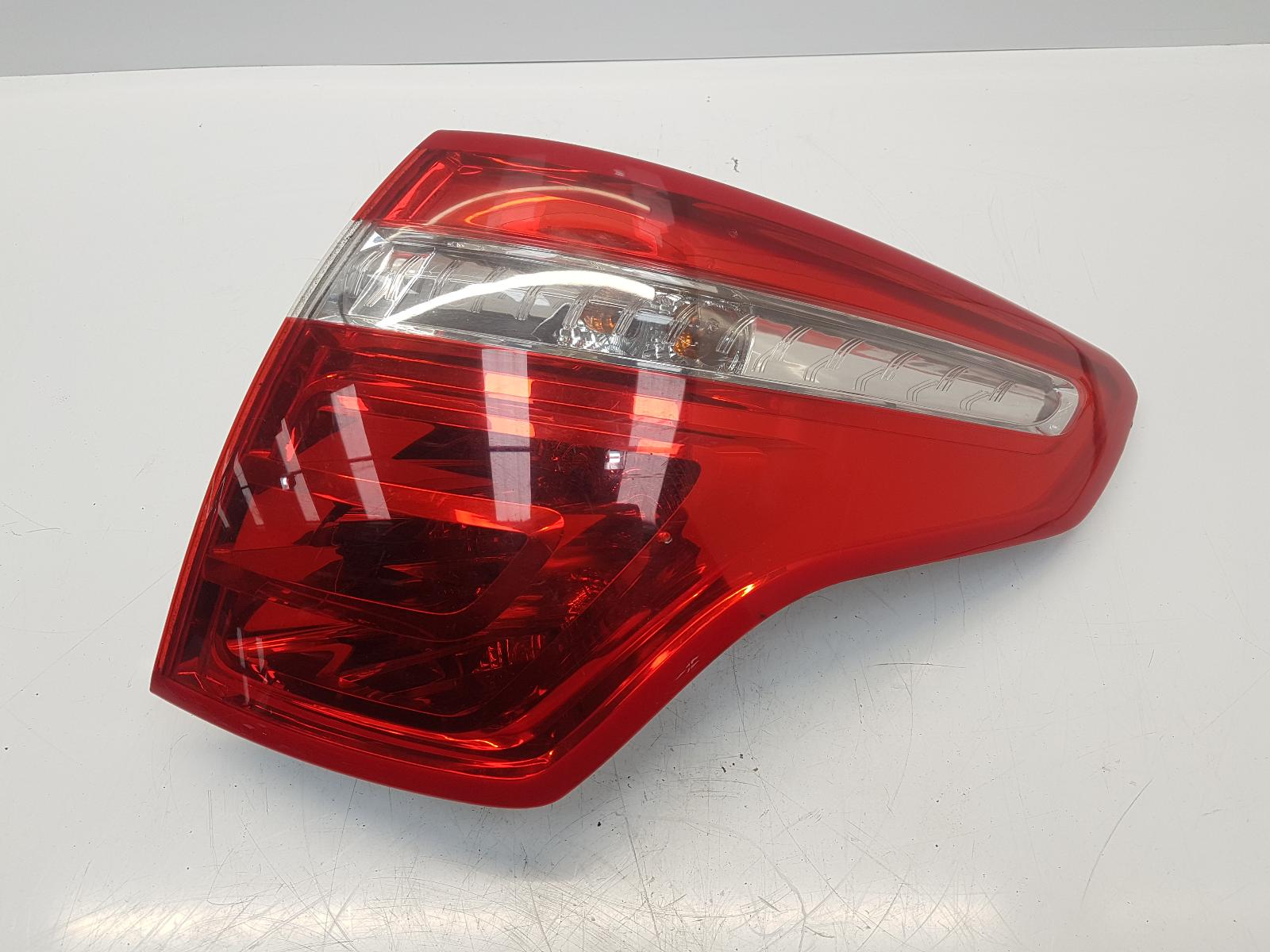 View Auto part R Taillight CITROEN C4 PICASSO 2009