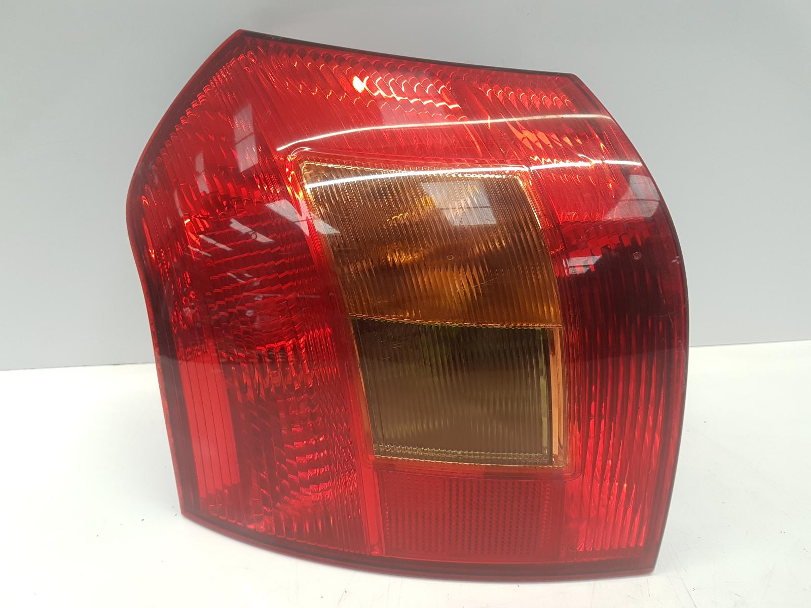 View Auto part L Taillight TOYOTA COROLLA 2003