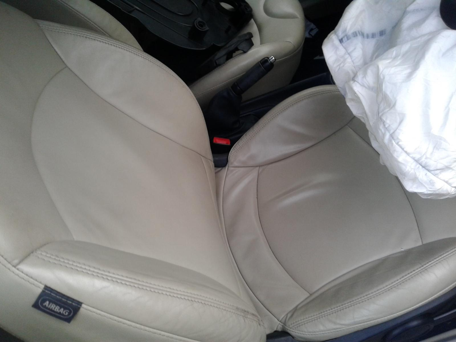 View Auto part MINI (BMW) MINI 2011 2 Door Unknown