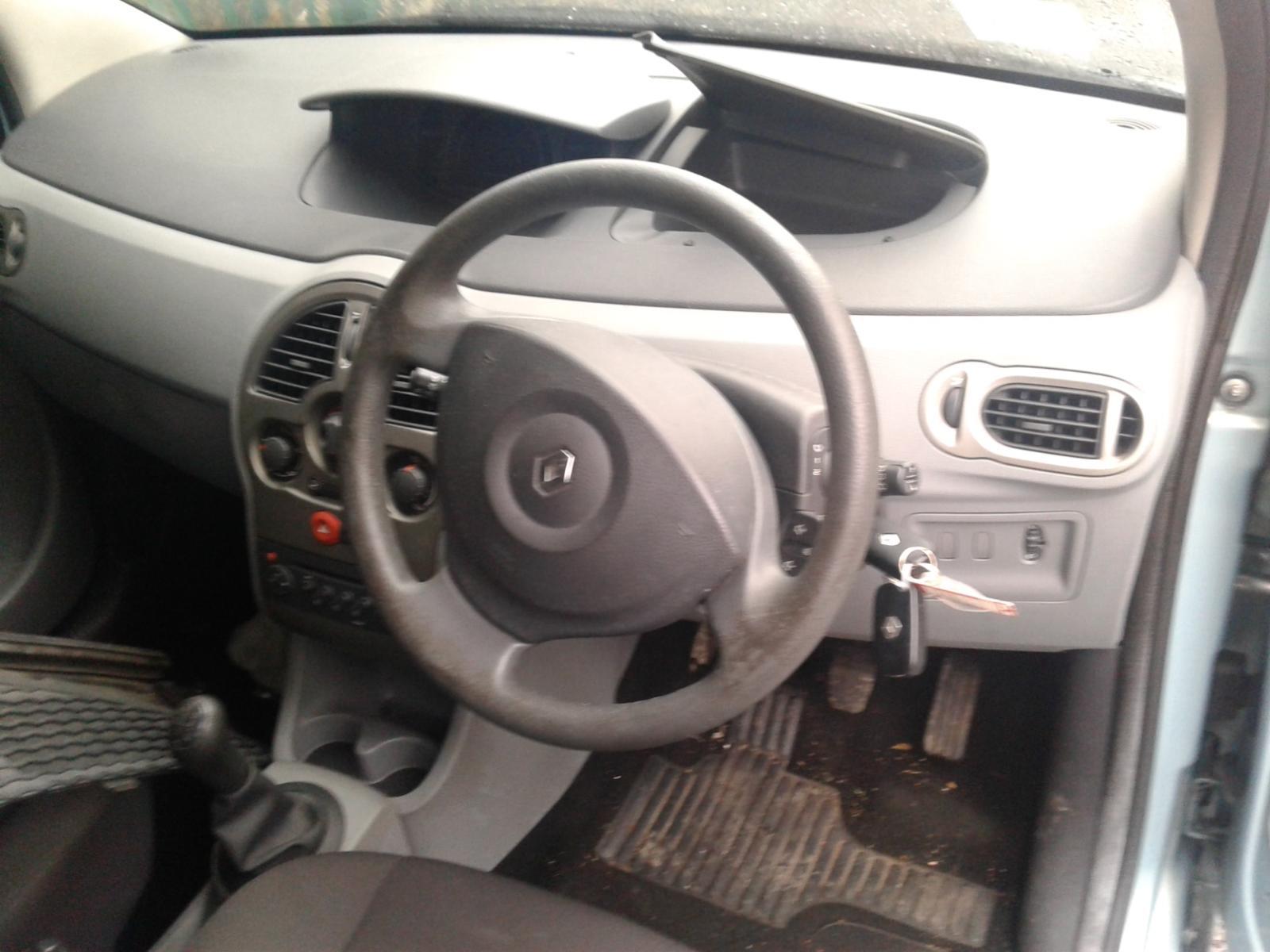 View Auto part RENAULT MODUS 2009 5 Door Hatchback