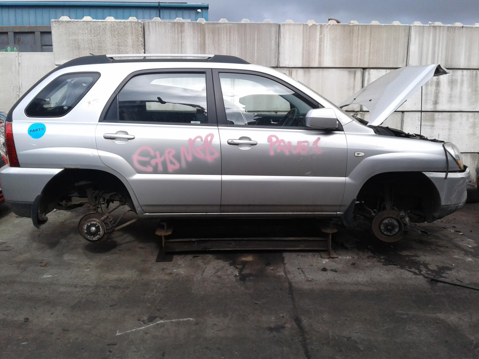 View Auto part KIA SPORTAGE 2009 5 Door Estate