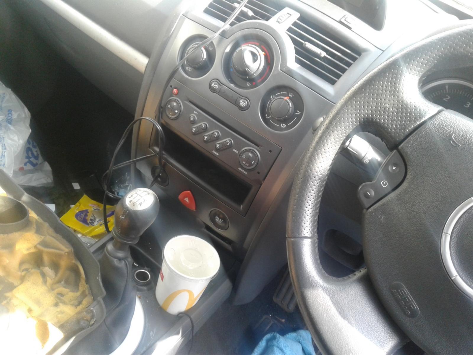View Auto part RENAULT MEGANE 2008 5 Door Hatchback