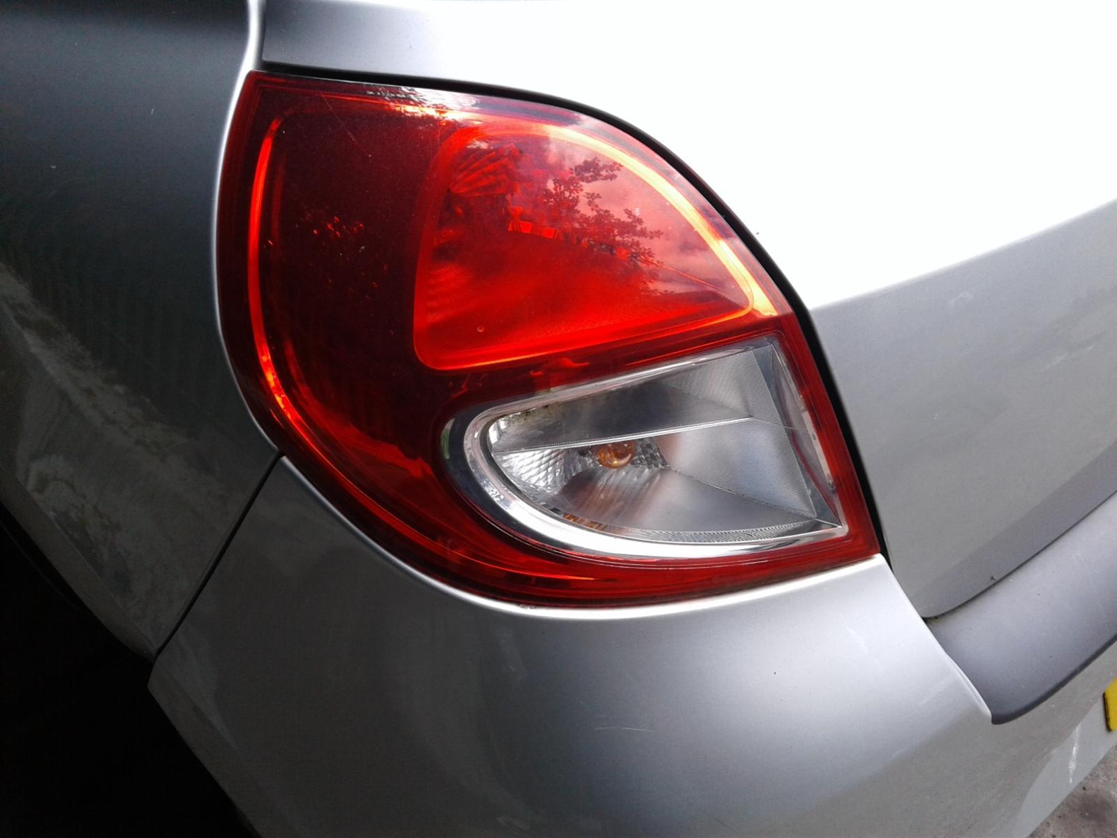 View Auto part RENAULT CLIO 2009 3 Door Hatchback