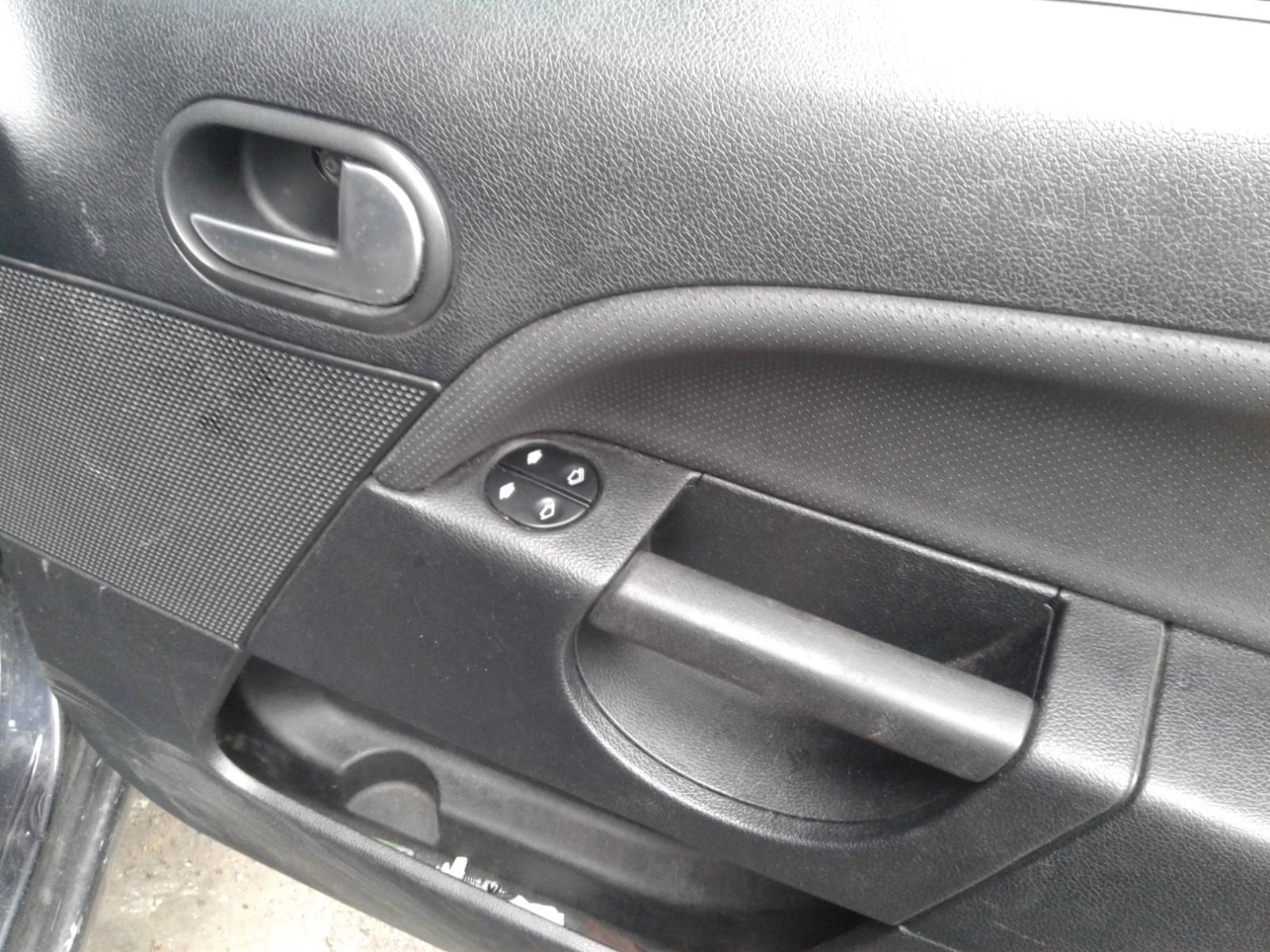 View Auto part FORD FIESTA 2007 3 Door Hatchback