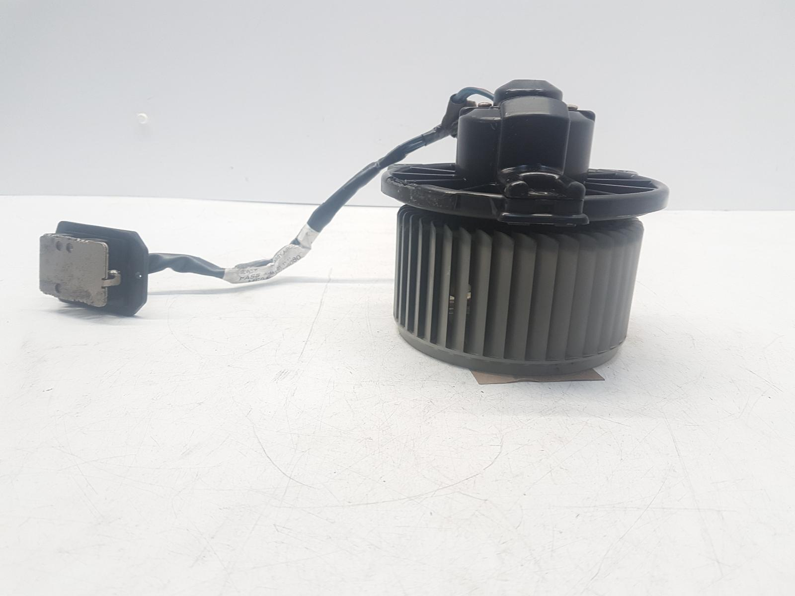 View Auto part Heater Motor/Assembly TOYOTA YARIS 2001